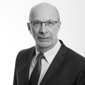 Dr. Manfred Schmidt
